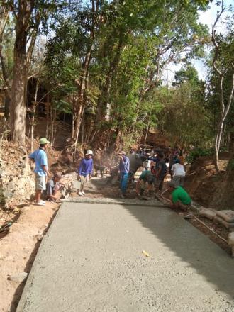 Pembangunan Corblok di Kalidadap 2 oleh warga setempat dan TPK Desa