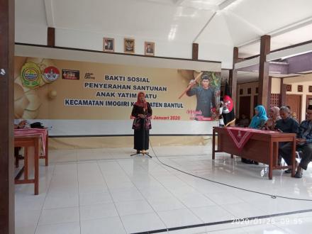 "Santunan Anak yatim Piatu Oleh Forum Relawan bantul dan ""mbah Joyo"""