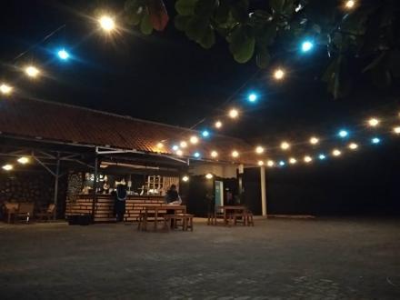 Warung Gubuk Dermo Nawungan 1 di Agrowisata Bukit Dermo, Siap Meningkatkan PAD Selopamioro