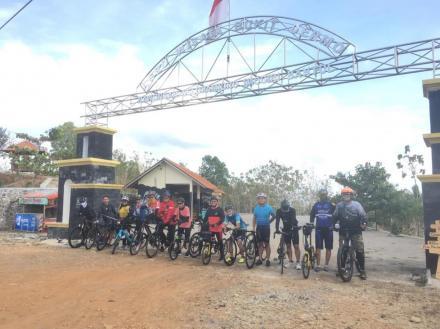 Warung Gubuk Dermo Nawungan 1 di Agrowisata Bukit Dermo