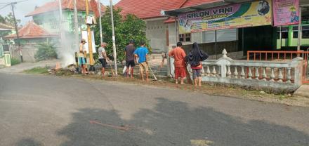 Gotong Royong Desa Selopamioro Warga Dusun Lanteng 2 RT 001