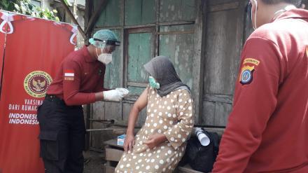 Vaksinasi Massal oleh SPN Selopamioro di Kampung KB Nogosari