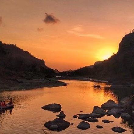 sunset yang menawan